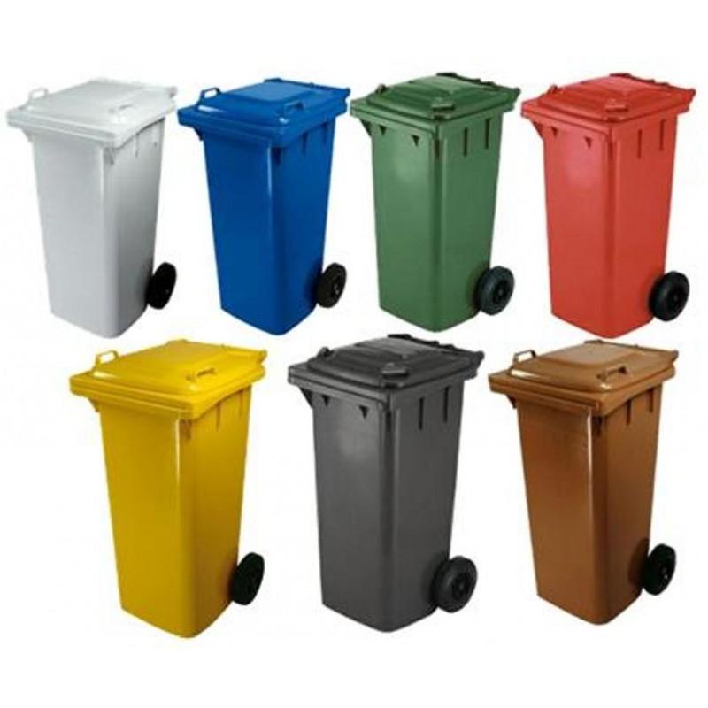 contenitori raccolta differenziata e pulizia